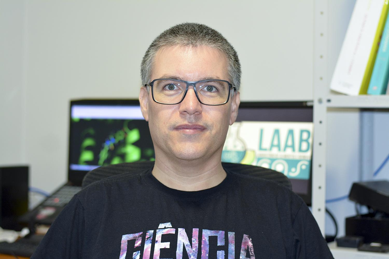 Tiago Oliveira é professor do Departamento de Farmácia da UFS